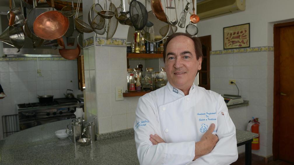 El Chef Tomas Sanchez, En El Diario La Voz Del Interior